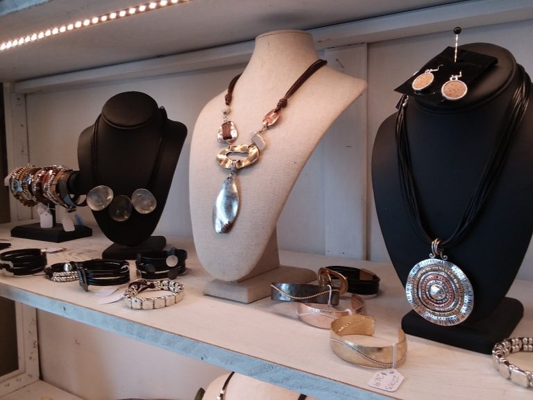 Boutiques Jewelry for Sale Near Me